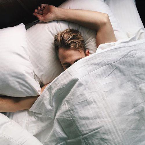 Erkek Yatakta Nasıl Mutlu Olur 77 Özel Yöntem
